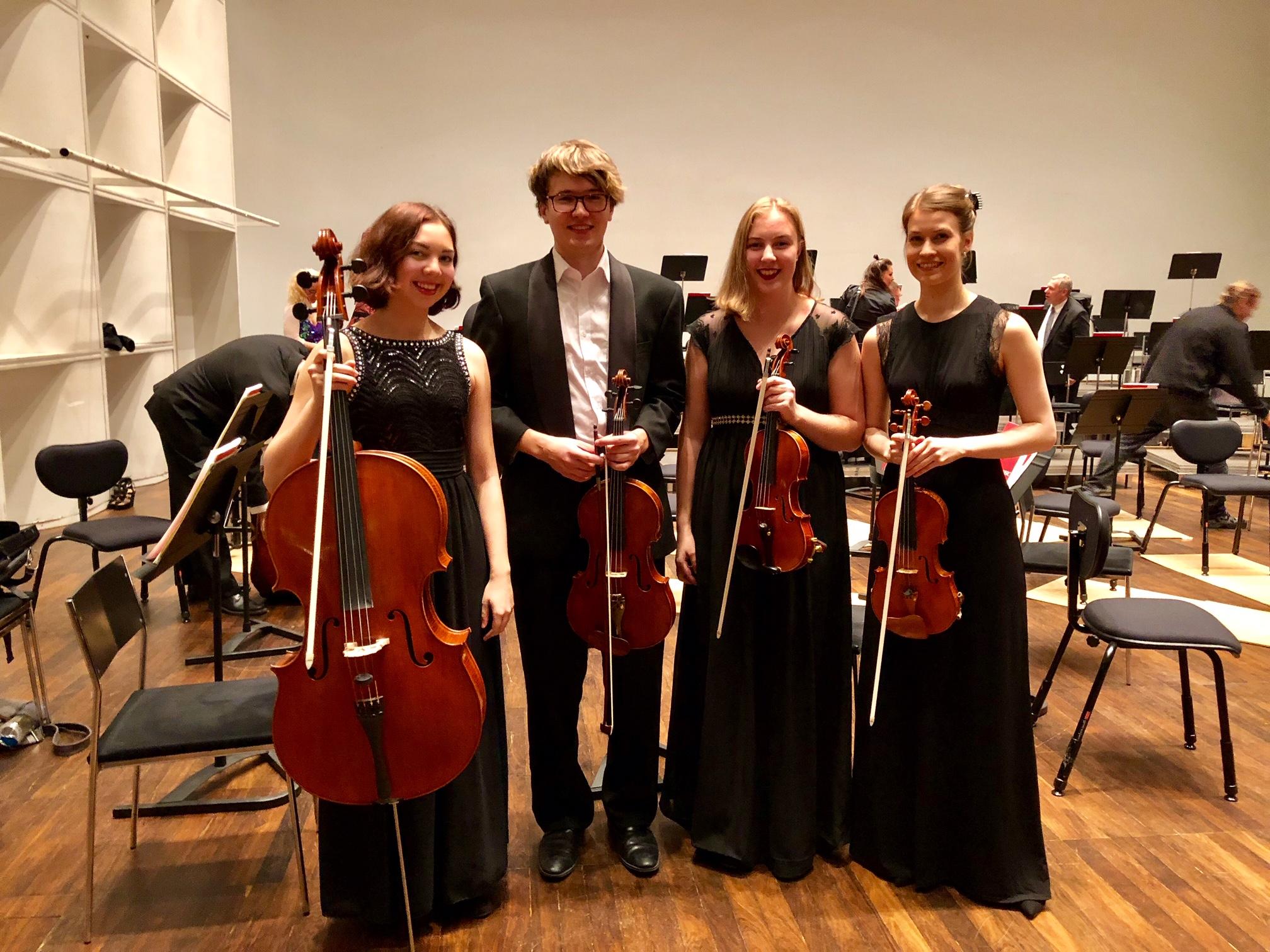 Ammatillisen koulutuksen opiskelijat Alma Antila, Antti Niemistö, Ella Griinari ja Anne-Maria Marttila soittivat lokakuussa Hyvinkään Orkesterin Olli & Tulilintu -konsertissa osana opintojaan.